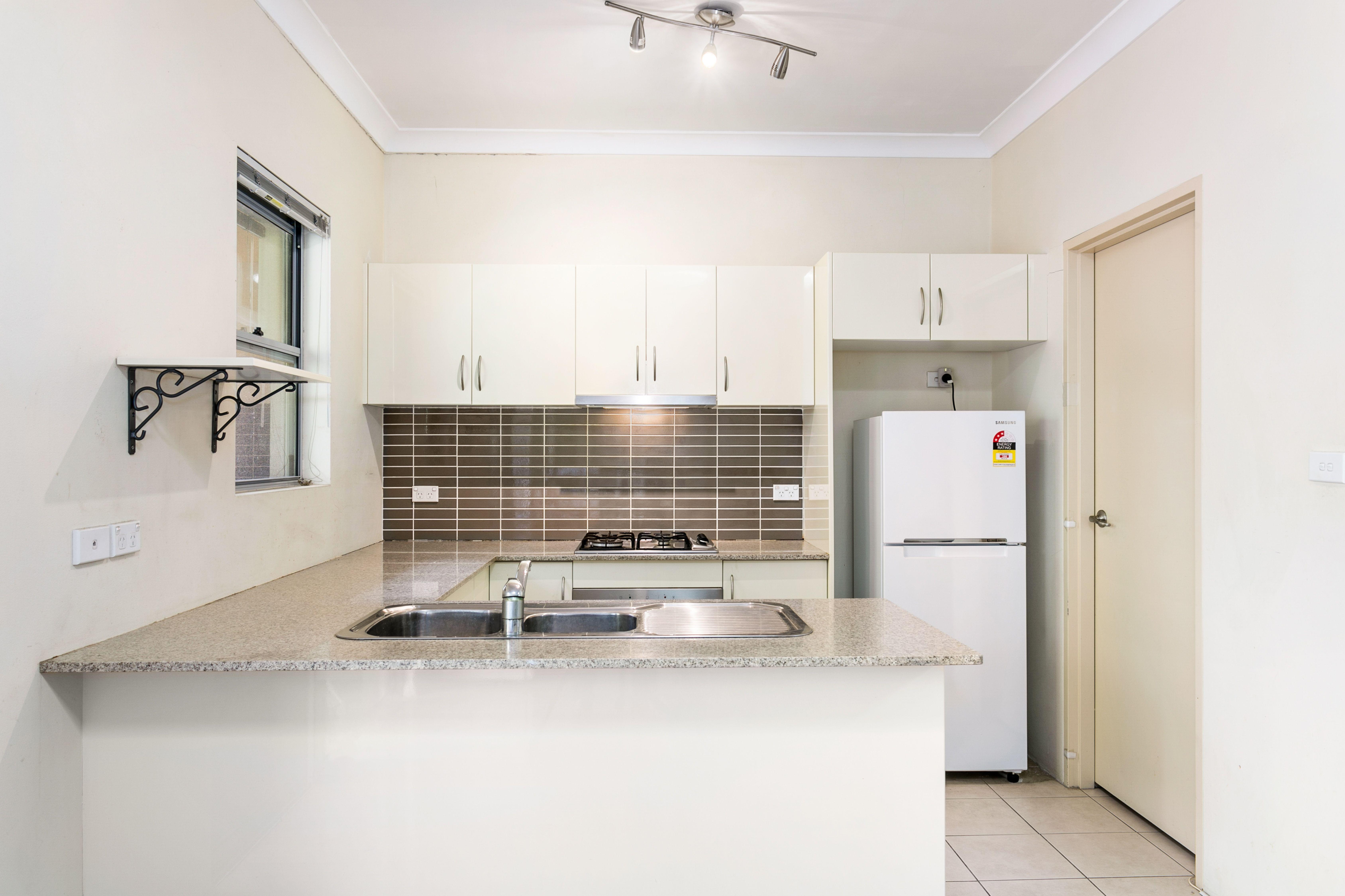 2/38 Fourth Avenue, Campsie NSW 2194