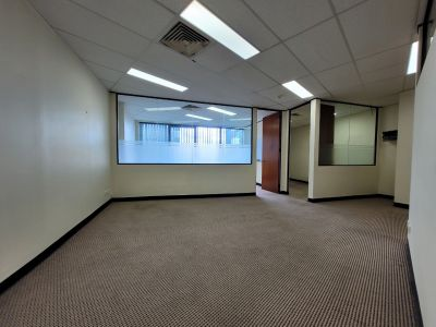 OFFICE SPACE WITH 2 CARSPACES INCLUDED