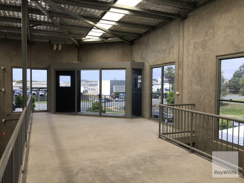 Modern Design Tilt Slab Warehouse with Frontage