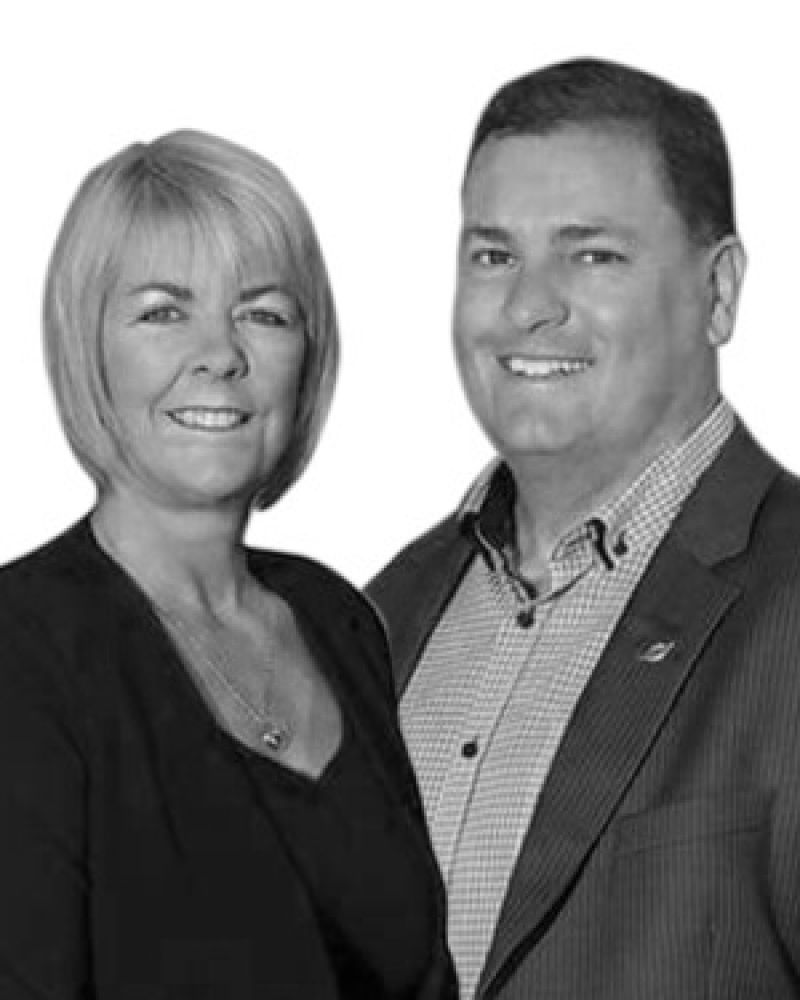 James & Toni Thompson Real Estate Agent