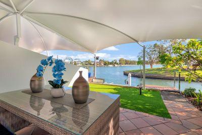 North To Main River!!  Prestige Villa with scenic views