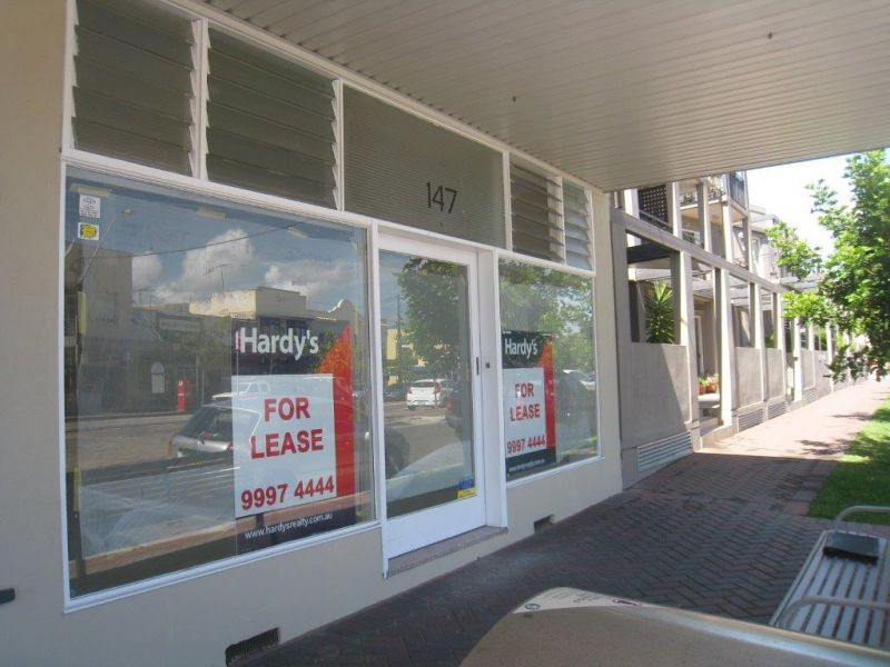 REFURBISHED RETAIL SHOP - ALL REASONABLE OFFERS CONSIDERED !