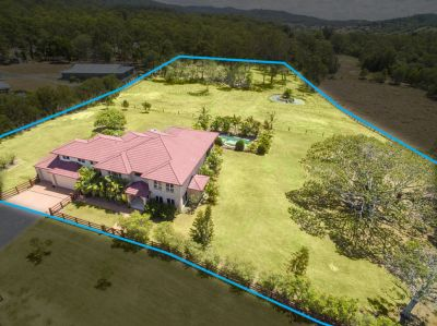 Grand Acreage Living at its Best!!!