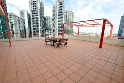 Southbank Towers: Modern and Spacious Three Bedroom with Terrace!