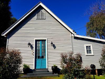 HOME OPEN SATURDAY 12-12.45