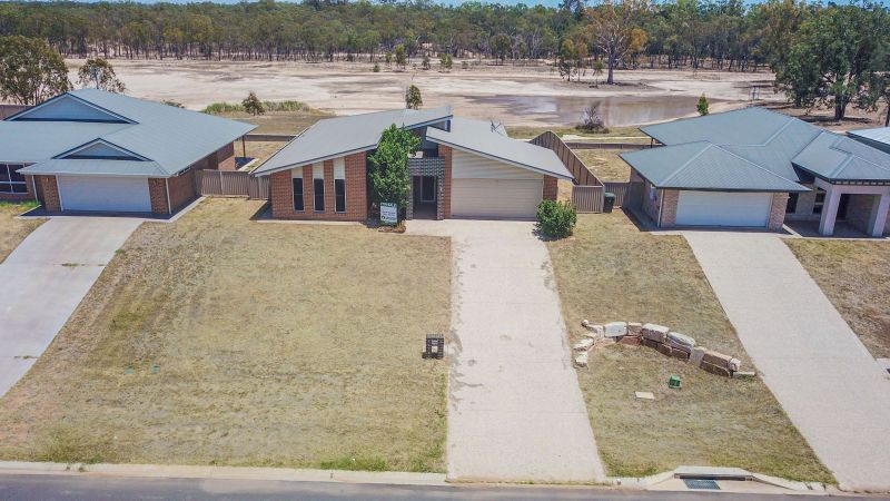 19 Cypress Pines Drive, Miles