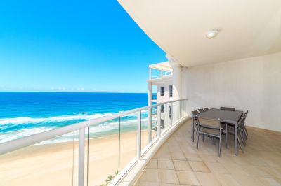Luxurious Absolute Beachfront 3 bedroom
