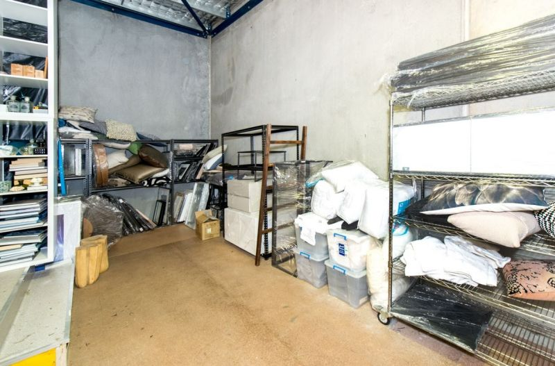 Commercial Warehouse within a Industrial Unit Complex