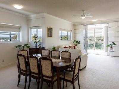 Spacious, Modern, Elegant & Exclusive Prestigious Mooloolaba Apartment
