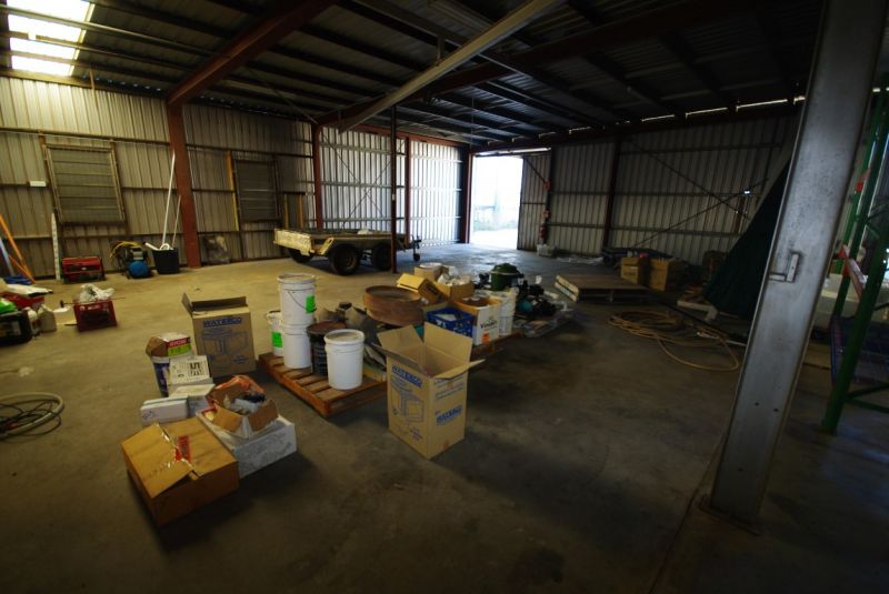 Warehouse with Wash Down Bay & Oil Separator