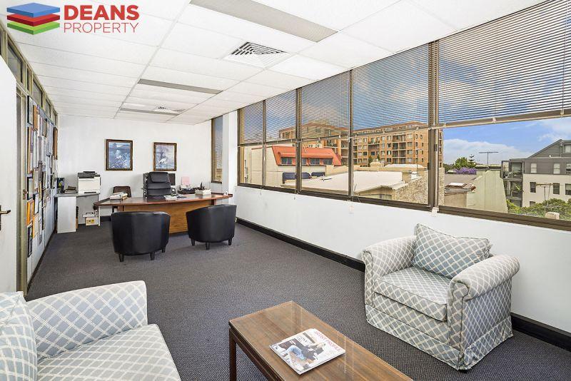 Top Floor Office Suite !