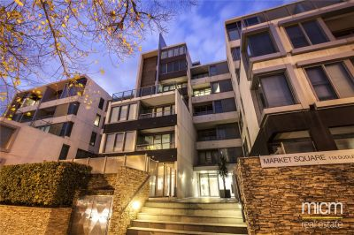 Market Square Condos: 4th Floor - Two Bedrooms Apartment in Sought After West Melbourne!