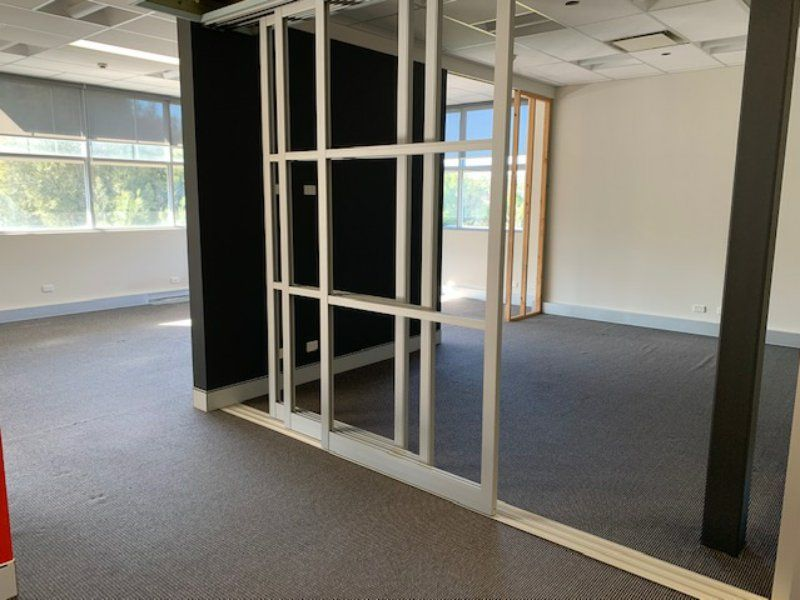 QUALITY 1ST FLOOR COMMERCIAL POSITION!