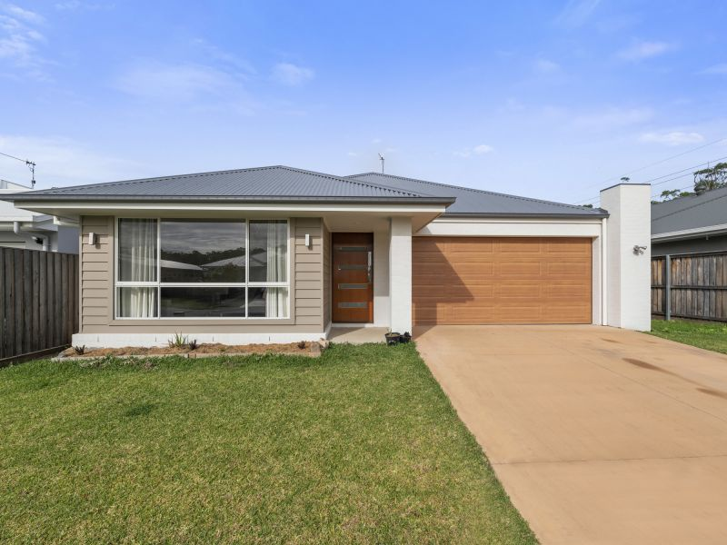 SOLD BY EMILY MCILWRAITH 0413 942 858