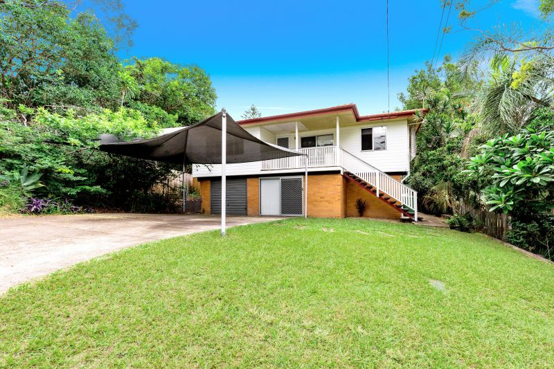FAMILY HOME ON 799 m2 BLOCK