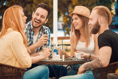 Chic Cafe Bar in Trendy Bayside – Ref: 18434