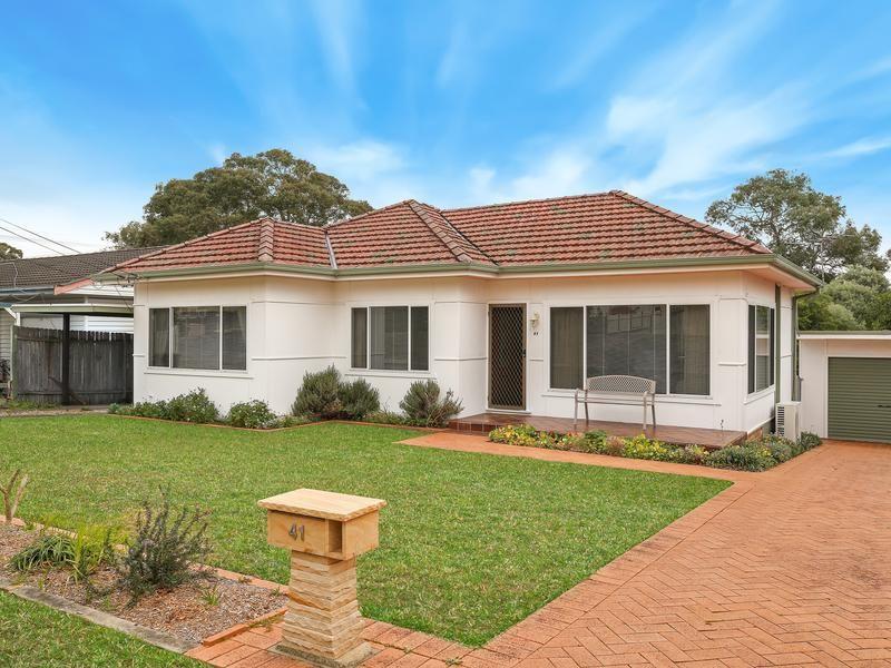 41 Wollybutt Road, Engadine NSW 2233