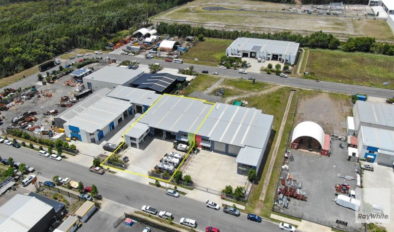 Stand Alone Freestanding Industrial Warehouse/Showroom