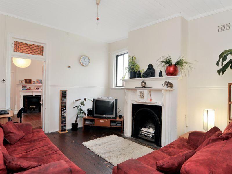 42 Macarthur Pde, Dulwich Hill