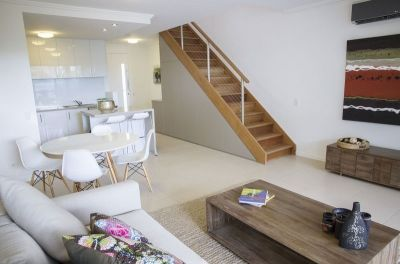 Gorgeous Townhouse - Incredible Value - Will not last!
