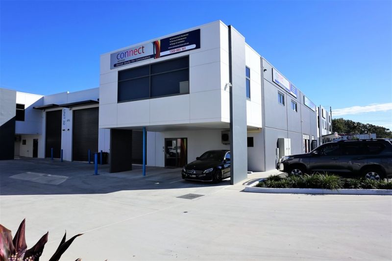 387m2* FULLY FITTED TINGALPA OFFICE / WAREHOUSE