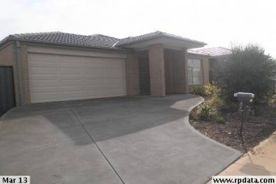 This Fantastic 4 Bedroom House in Point Cook Won't Be Around For Long!