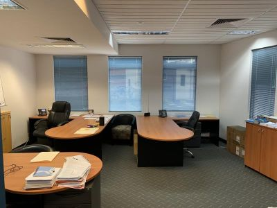 FULLY FURNISHED OFFICE READY TO GO