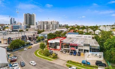 PRIME STRATA OFFICE ON MASSIVE 1,897M2 LAND PARCEL!