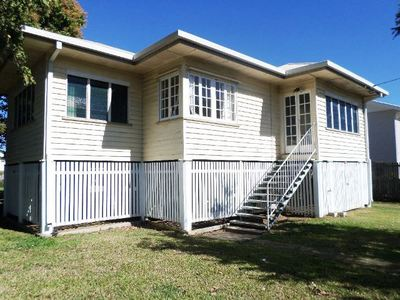 FANTASTIC QUEENSLANDER- SOUGHT AFTER LOCATION WITH GREAT POTENTIAL. IDEAL OWNER OCCUPIER