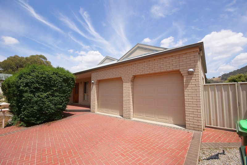 Large 4 Bedroom Home - Close to Golf Course!