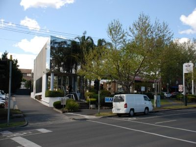 Well partitioned St Kilda Rd Office space