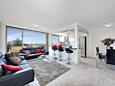 Spacious Three Bedroom Apartment With Ocean Views
