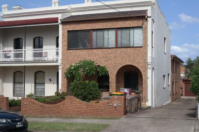 SPACIOUS APARTMENT IN BURWOOD