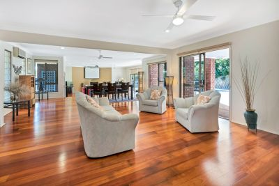 Extra Large Family Home located in Prestigious Paradise Rivers Estate