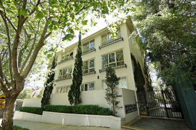 Fully Furnished, Light Filled, Spacious Apartment Located in one of Elwood's Famous Tree Lined Streets!