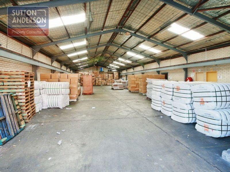 Fantastic Clear Span Warehouse