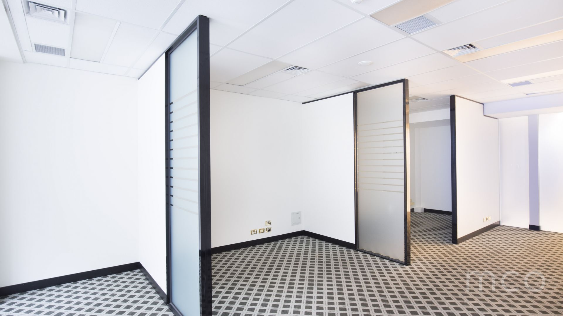 Highly sought-after corner office in the heart of St Kilda Rd