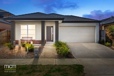 Stunning Family Entertainer in Prestigious Point Cook Position