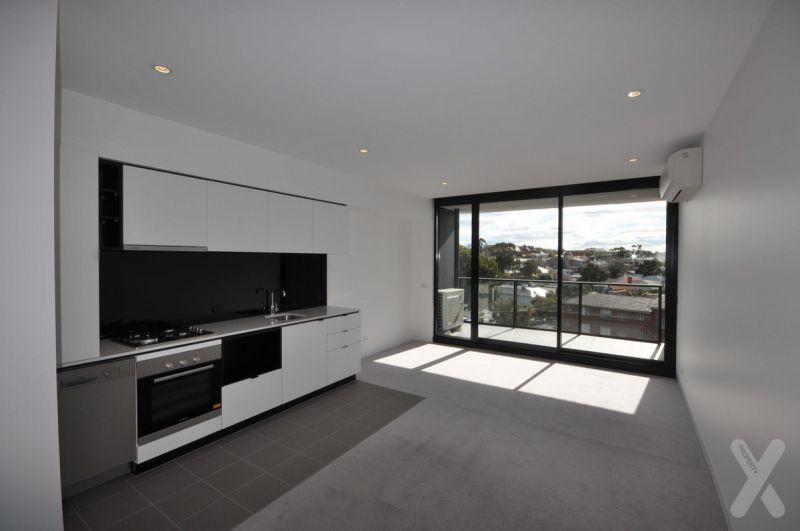 CBD Style Luxury Living In Kensington!