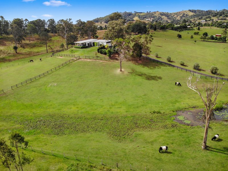 Contemporary horse property in picturesque setting