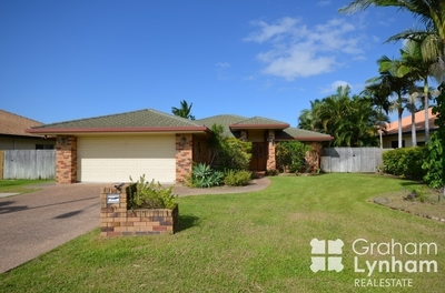 Fantastic Family Home with a Pool!