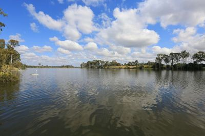 ABSOLUTE RIVER FRONTAGE – NOTHING COMPARES ON PRICE!!