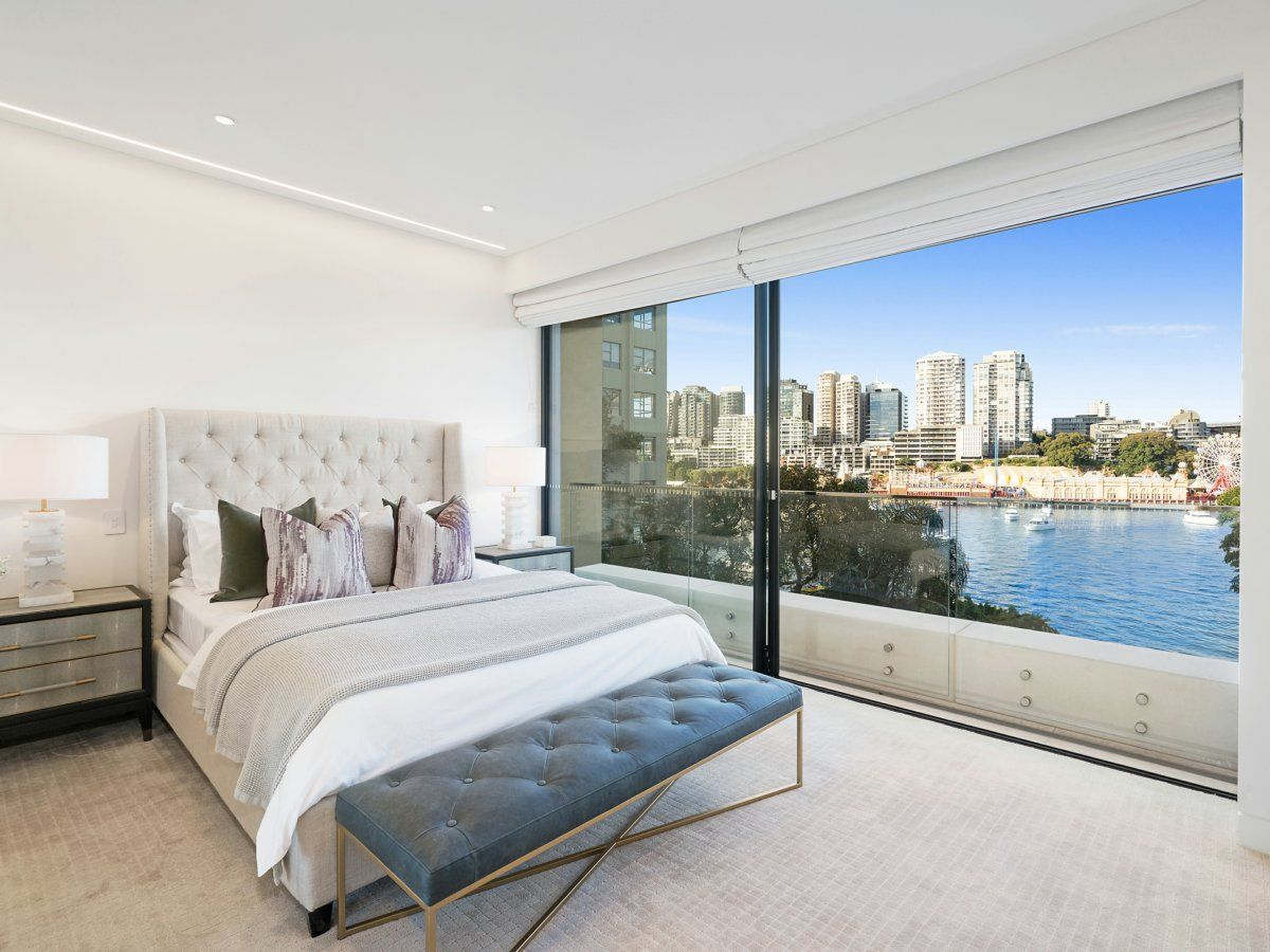 301/3 East Crescent Street Mcmahons Point 2060