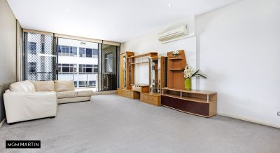 North Facing Oversized Apartment!