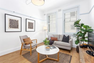 In the heart of Parisian style cafes and restaurants. Romantic 1 bedroom apartment with white walls and wide floorboards.