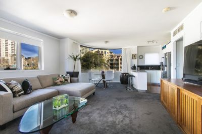 Over Sized & Light Filled Apartment On CBD, Potts Point & Darlinghurst Fringe
