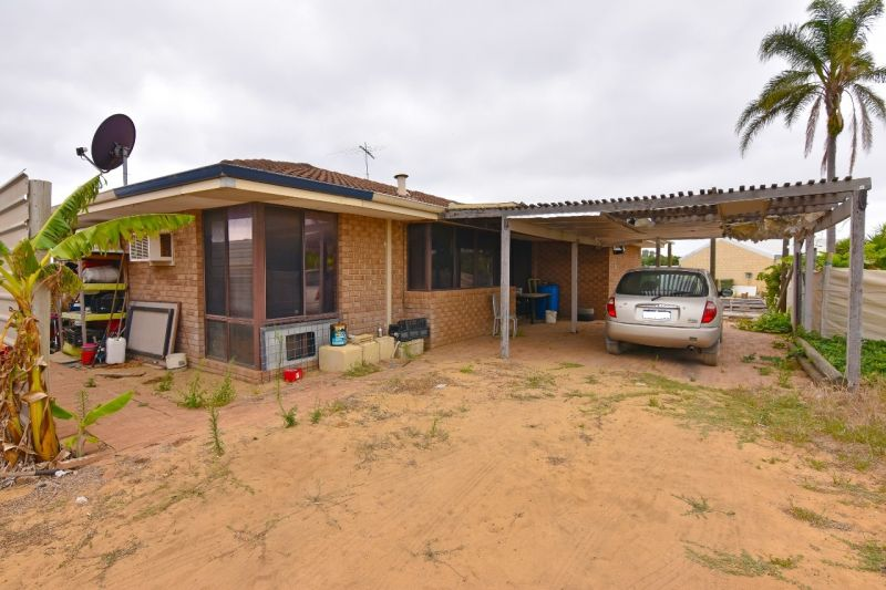 Horticultural Property with Improvements and Water Licence