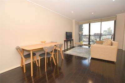 City Tower: Stunning One Bedroom Abode in the Heart of Southbank! L/B