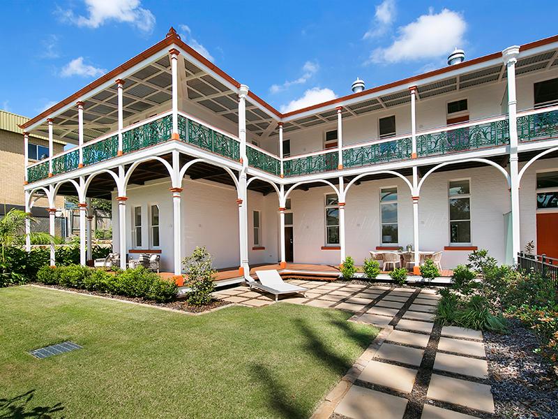 Luxury Riverside Heritage Residence