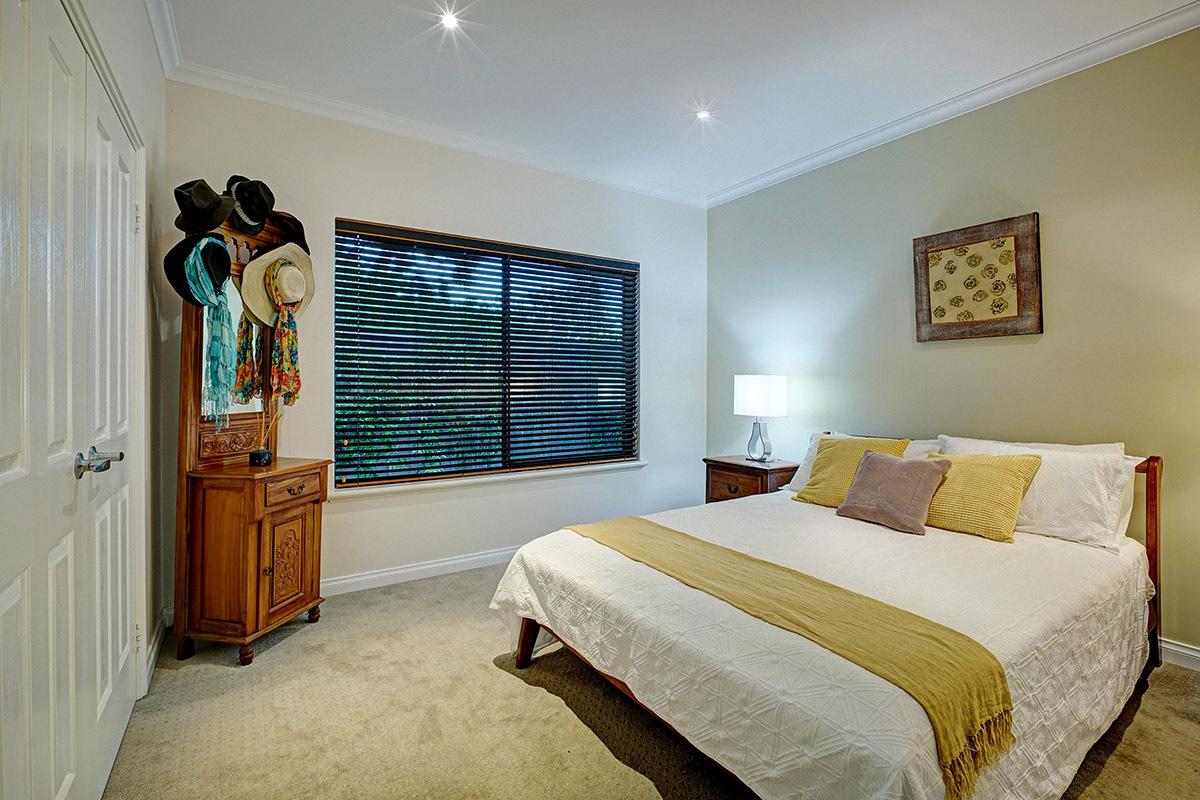 5A Grand Promenade Bayswater 6053